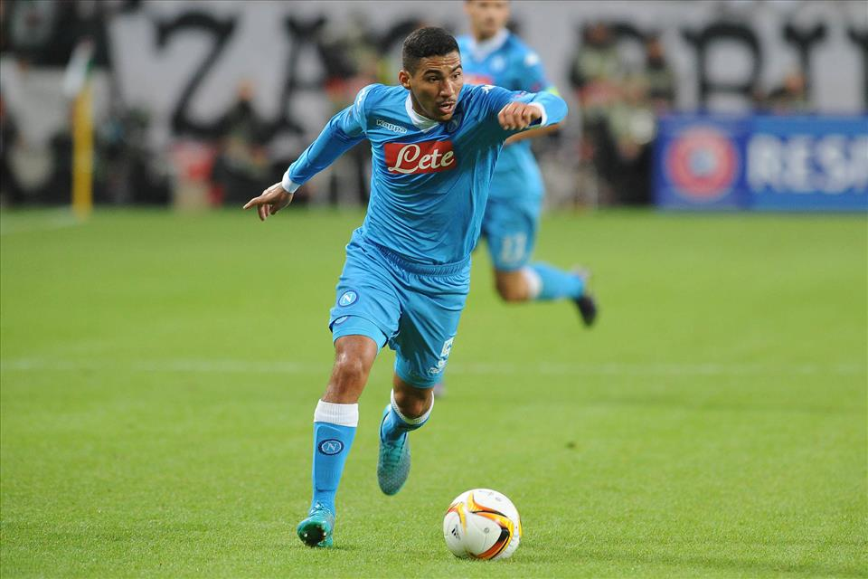Napoli midfielder Allan in action. (Getty Images)