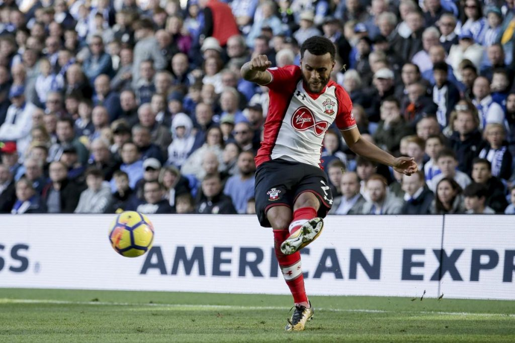 Southampton left-back Ryan Bertrand passes the ball. (Getty Images)