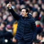Arsenal manager Unai Emery gives thumbs-up. (Getty Images)