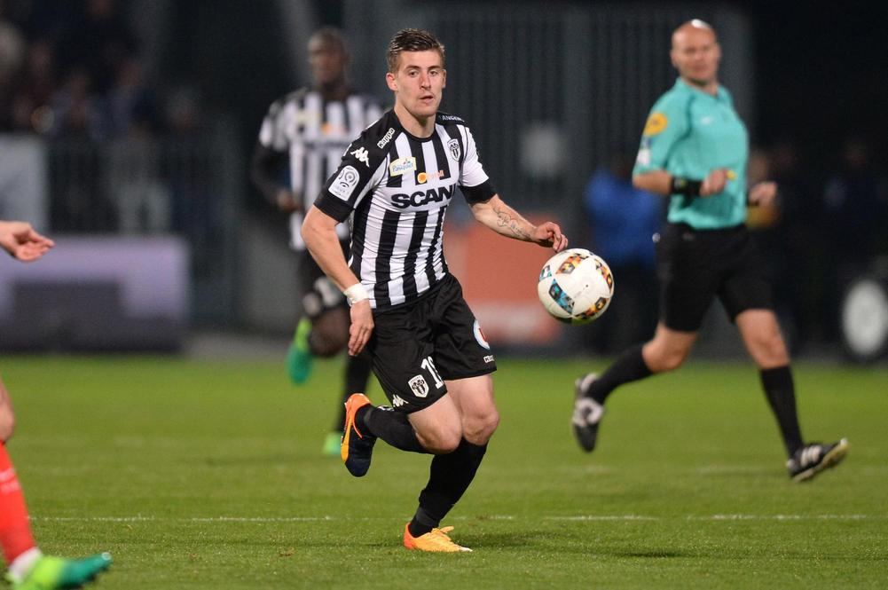 Angers defensive midfielder Baptiste Santamaria in action. (Getty Images)