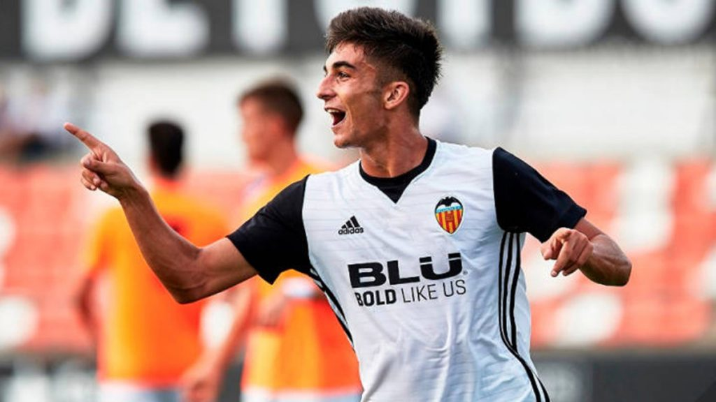 Manchester City signed Ferran Torres from Valencia.