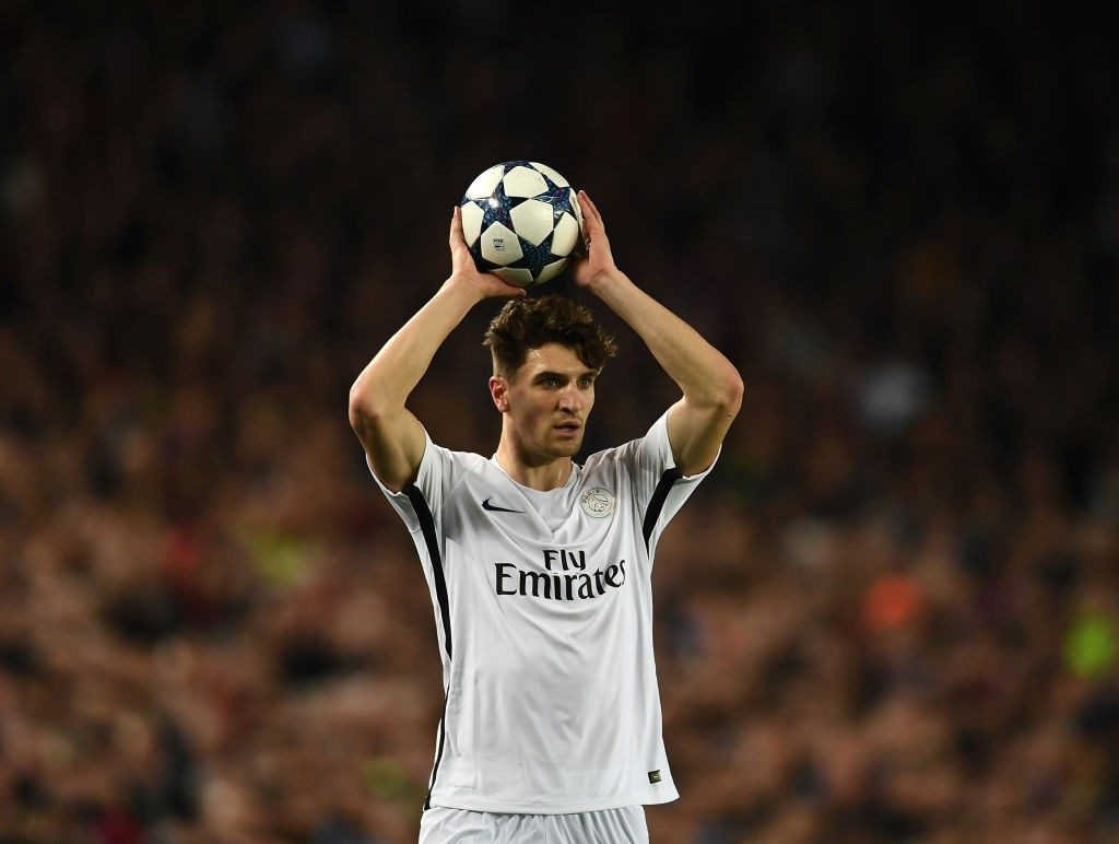 Paris Saint-Germain right-back Thomas Meunier takes a throw-in. (Getty Images)