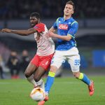 Jerome Onguene of Red Bull Salzburg vies Arkadiusz Milik of SSC Napoli during the UEFA Europa League Round of 16 First Leg match between S.S.C. Napoli and Red Bull Salzburg at Stadio San Paolo on March 7, 2019 in Naples, Italy. (Getty Images)