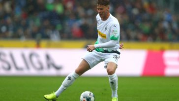 Nico Elvedi of Borussia Monchengladbach of Borussia Monchengladbach in action during the Bundesliga match between Borussia Moenchengladbach and FC Augsburg at Borussia-Park. (Getty Images)