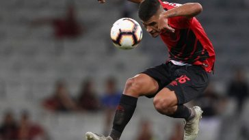 Bruno Guimaraes of Athletico PR controls the ball in the air during a match between Athletico PR and Jorge Wilstermann, as part of Copa CONMEBOL Libertadores 2019 at Arena da Baixada on March 14, 2019 in Curitiba, Brazil. (Getty Images)