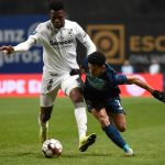 Vitoria Guimaraes' Burkinabe defender Edmond Tapsoba (L) vies with FC Porto's Colombian forward Luis Diaz during the Portuguese Taca da Liga or League Cup semifinal football match between Vitoria Guimaraes SC and FC Porto at the Municipal stadium of Braga in Braga on January 22, 2020. (Getty Images)