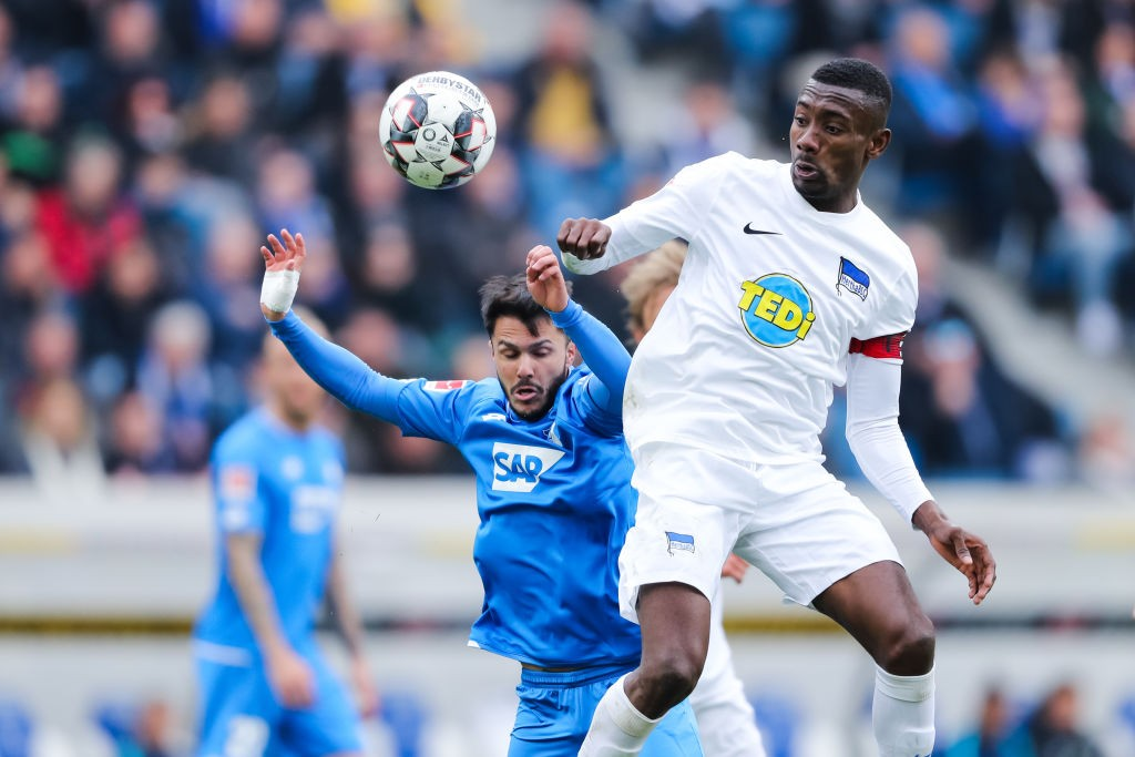 Salomon Kalou of Berlin is challenged by Leonardo Bittencourt of Hoffenheim during the Bundesliga match between TSG 1899 Hoffenheim and Hertha BSC at PreZero-Arena on April 14, 2019 in Sinsheim, Germany. (Getty Images)