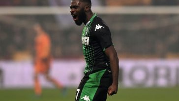 Jeremie Boga of Sassuolo celebrates after scoring his team's fourth goal during the Serie A match between US Sassuolo and AS Roma at Mapei Stadium - Città del Tricolore on February 01, 2020 in Reggio nell'Emilia, Italy. (Getty Images)