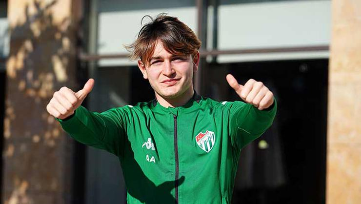 Ali Akman of Bursaspor is scouted by Leicester City.
