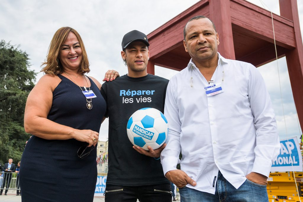 Neymar with his father and mother